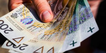 przeciętne wynagrodzenie w polsce 2020