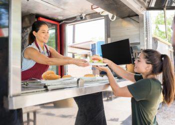 popularność food trucków lockdown